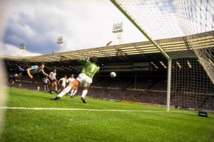 Action- 1986-87 (1987-05-16(1)) City v Tottenham- FA Cup Final (n) 3-2 Wembley-Houchen FA Cup Dive