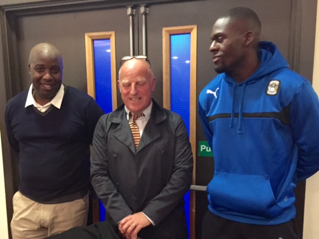 Paul, 'Harry' & Frank in the Singers Lounge before the game