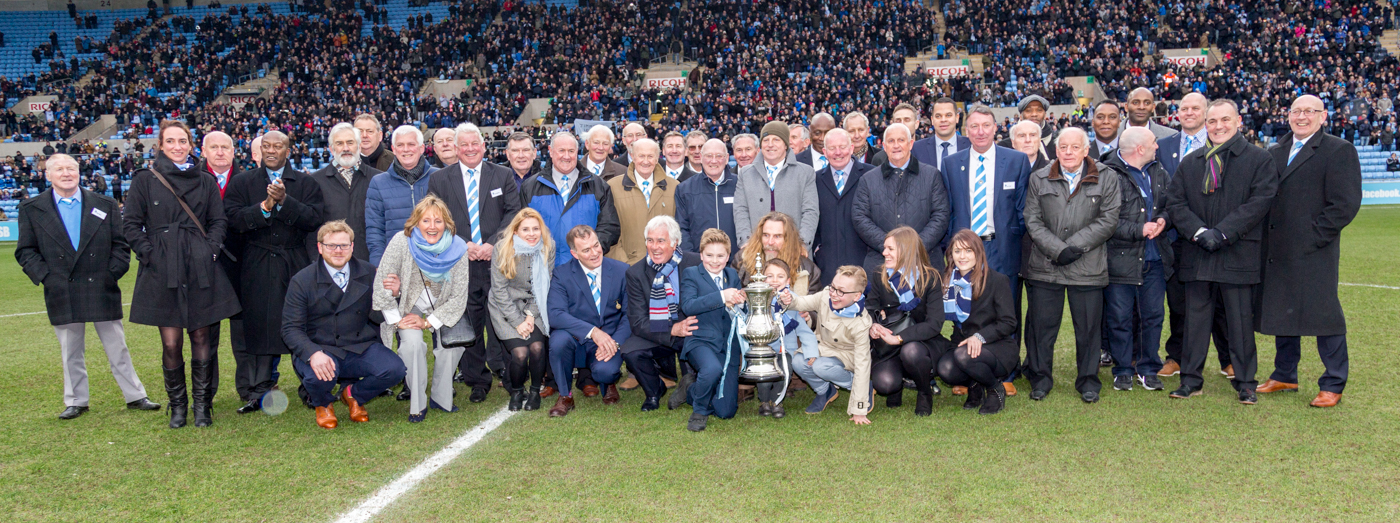 Legends Day 2016: Team Photo (with JH's family) & 'Killer' with the Cup